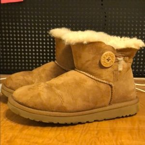 Mini Bailey Button II - UGG Boots